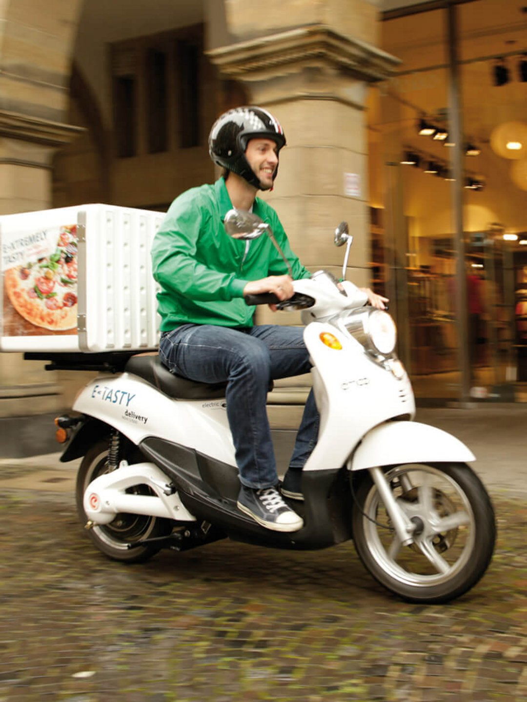 Environmentally friendly pizza scooters from emco.
